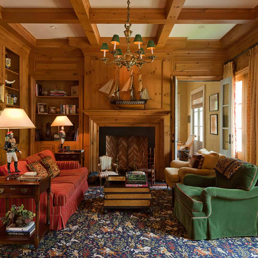 Warming colors with classic and closely spaced furniture