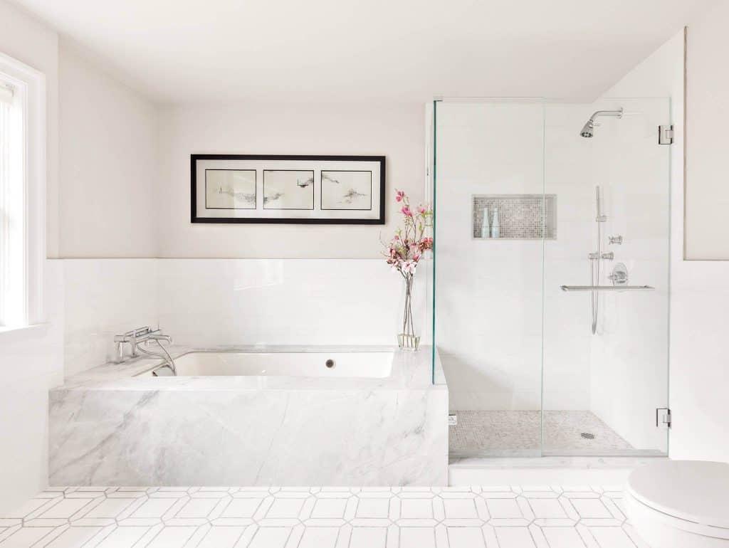 Solid White Crisp shower's tile