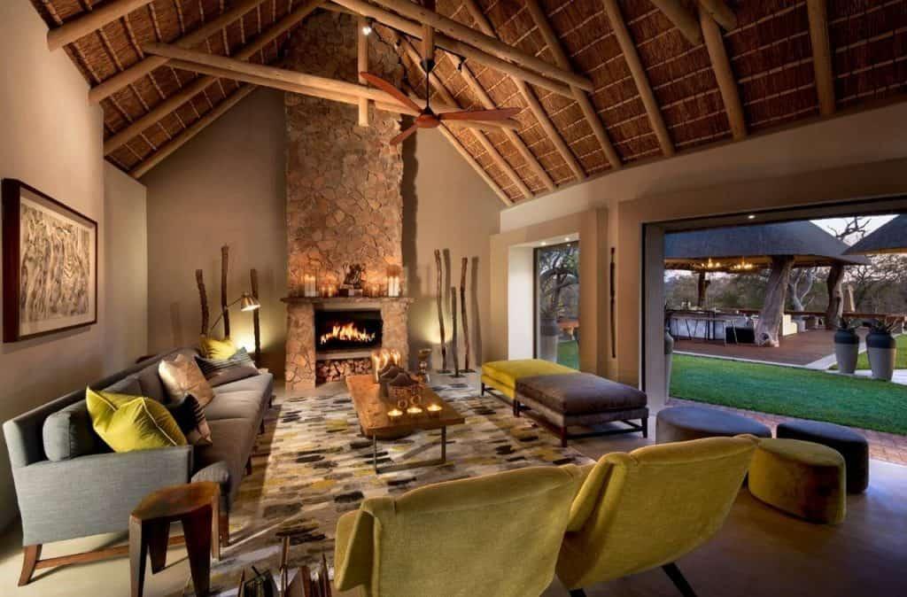 Mid-Century Modern Cozy Living Space