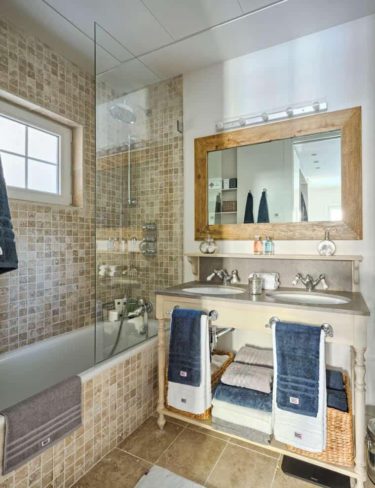 Stylish Storage Idea for Towels