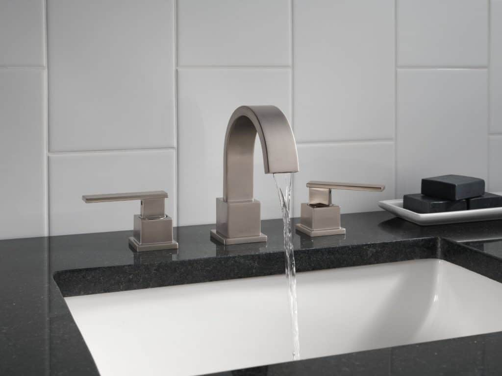 Delta 3553LF-SS Vero Two Handle Widespread Lavatory Faucet