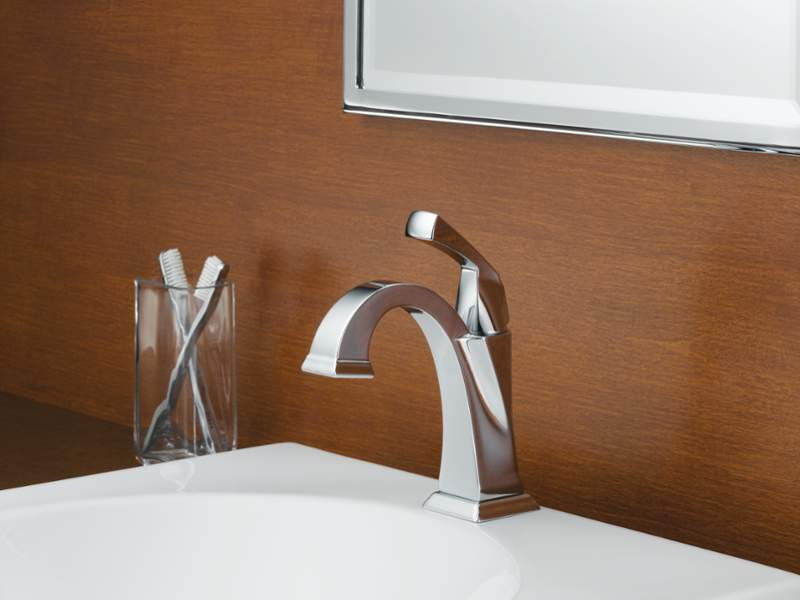 Delta 551-DST Dryden Single Handle Centerset Lavatory Faucet, Chrome