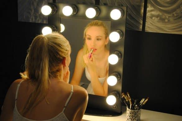 Lighted Vanity Mirror Table
