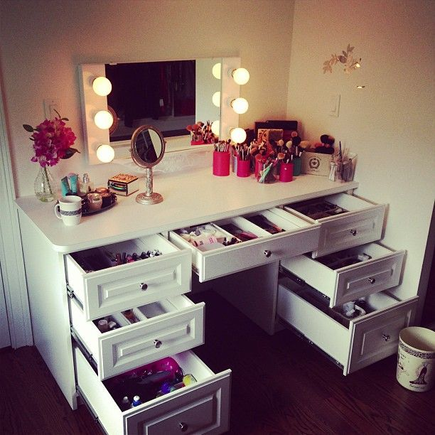white dressing table - Ideas For Making Your Own Vanity Mirror With Lights (DIY Or BUY)