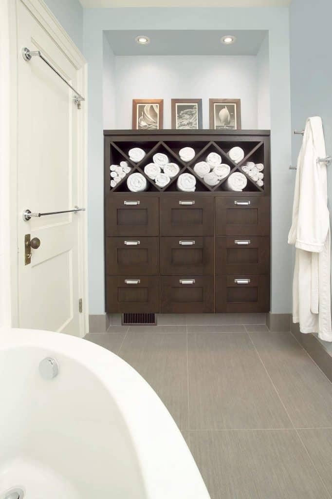 towel storage ideas with Diamond Shape Shelf for Towels