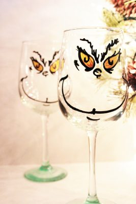Grinch Wine Glass