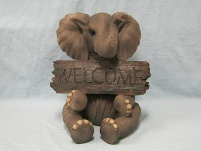 Indian Handicrafts Resin Elephant with Welcome Sign Figurine