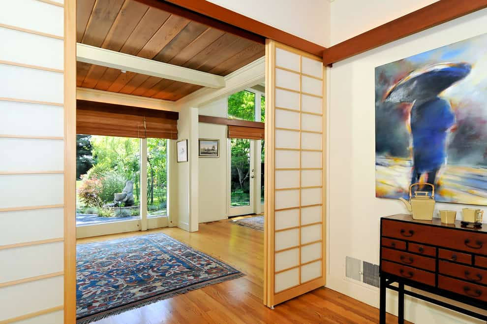 Japanese sliding doors and room divider ideas decor snob for Sliding doors interior room divider
