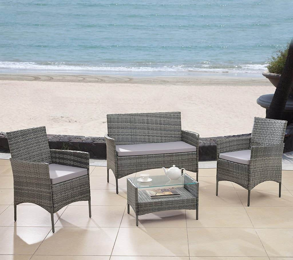 Modern wicker seat for patio