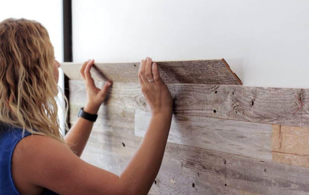 Reclaimed Barn Wood Wall Panels