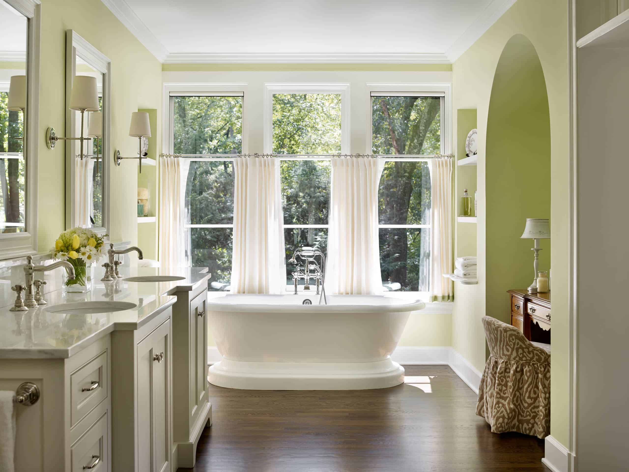 Bathroom Windows tips & ideas for choosing bathroom window curtains (with photos!)