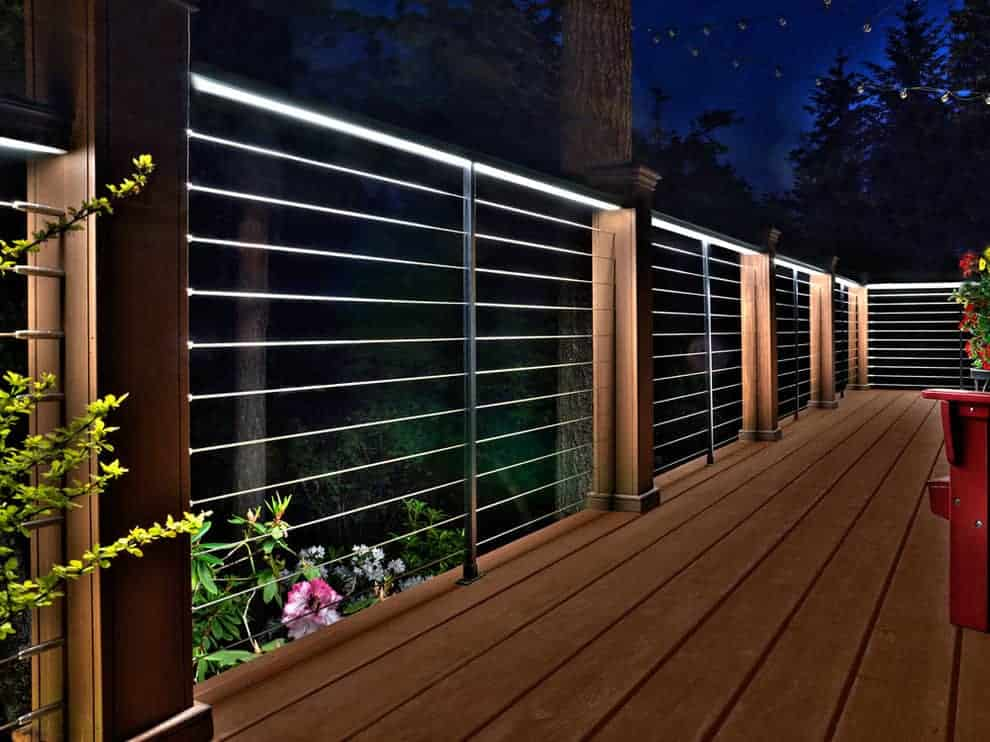 Illuminated Mixed Material Deck Railing