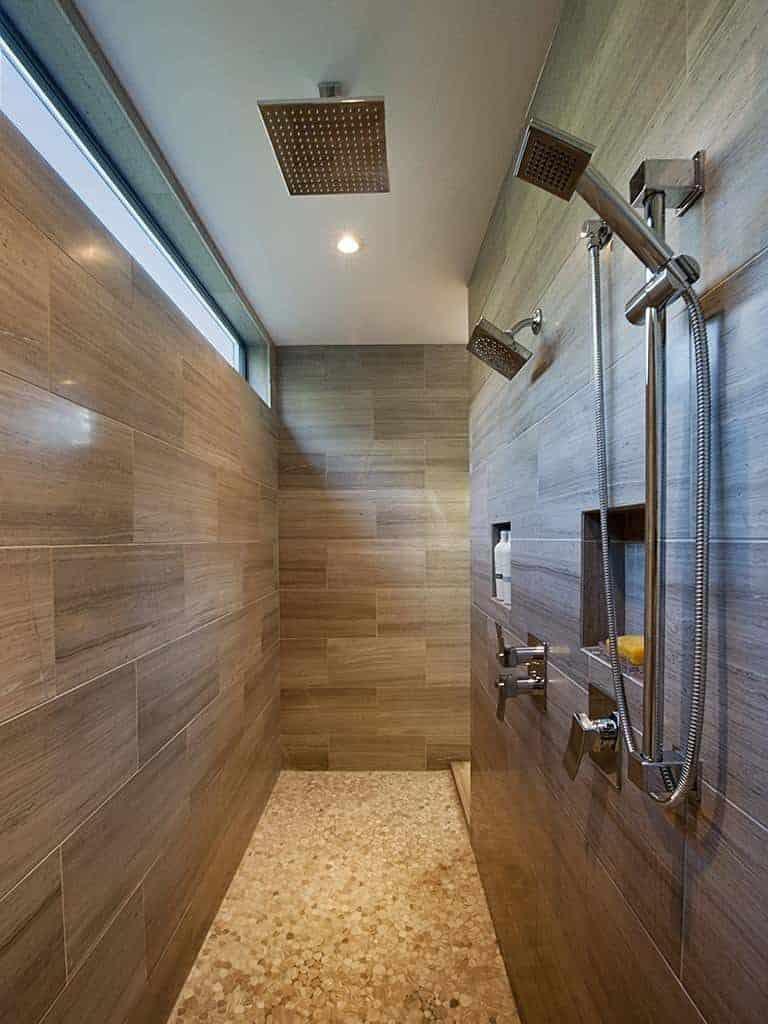 Doorless Walk-in Shower Idea for Couples