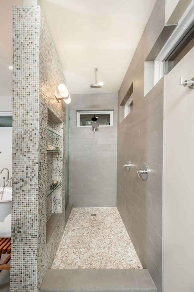 Transitional Tile walk in shower no door no glass