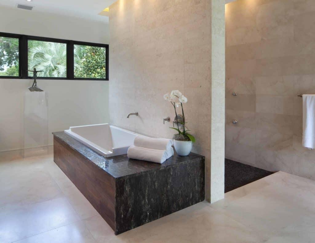 doorless shower idea