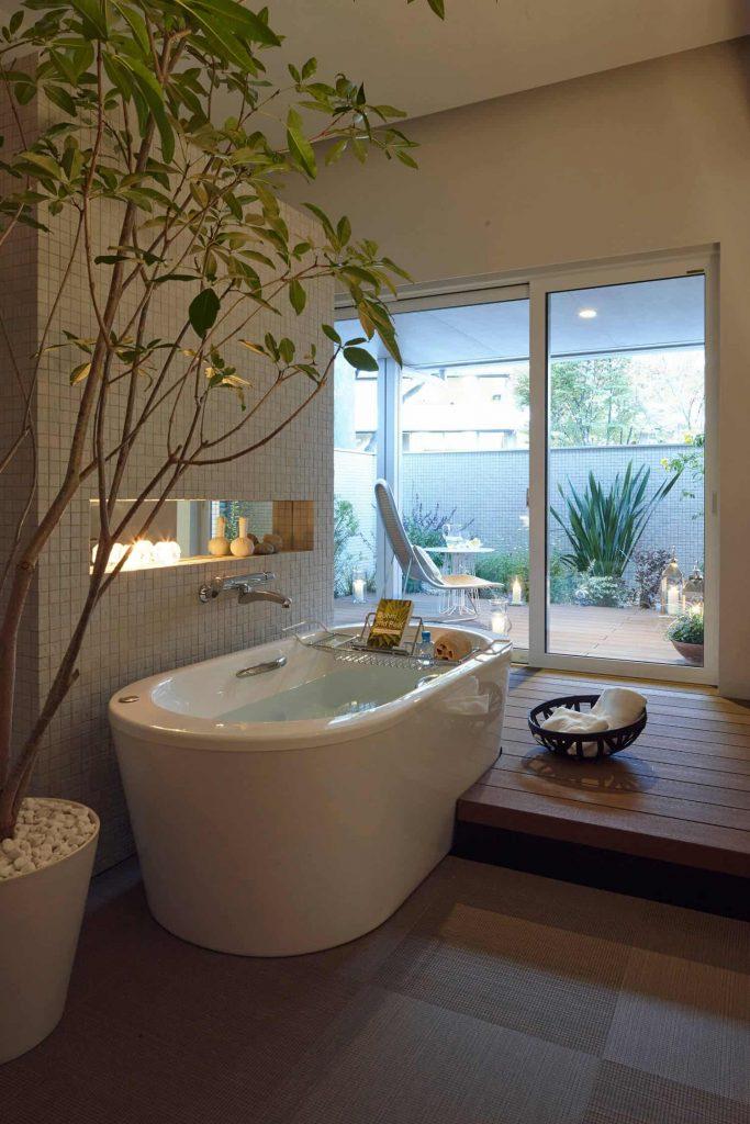 freestanding bathtub in Tokyo