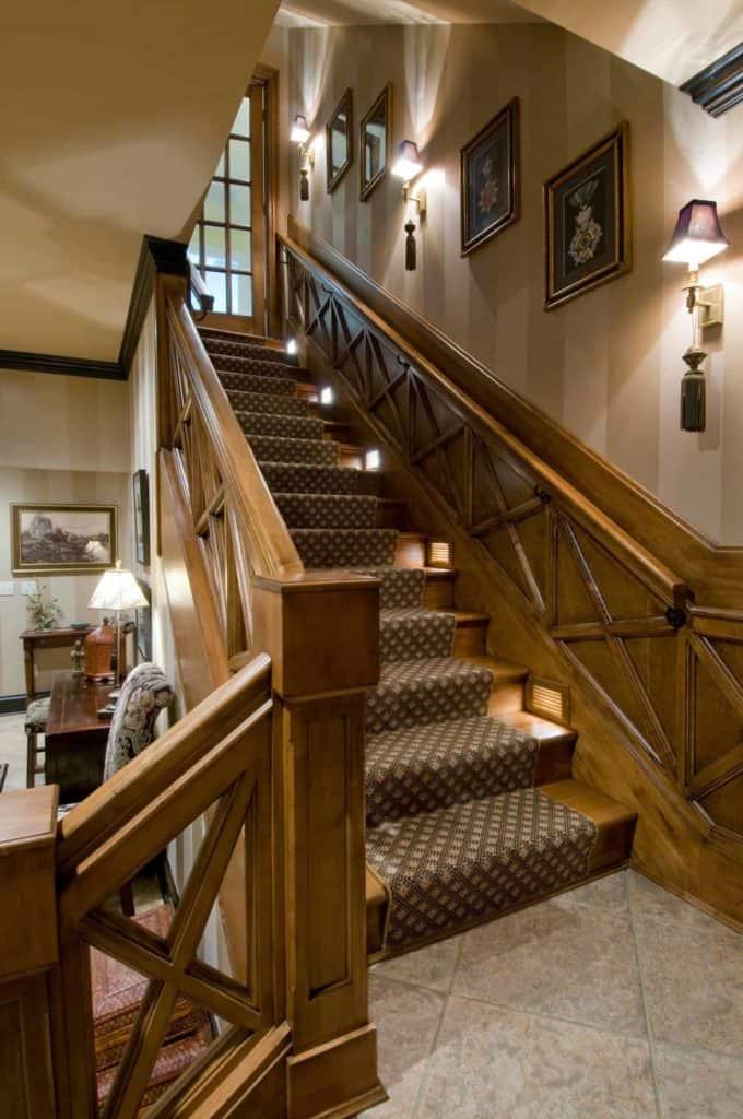 stairway wainscoting
