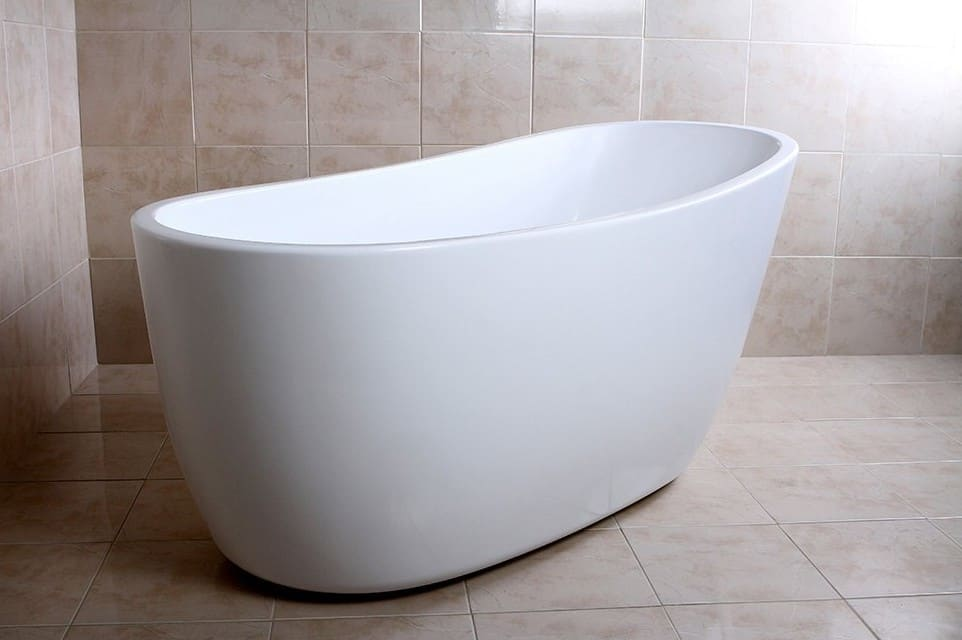 KINGSTON BRASS VTRS592928 59-Inch Contemporary Freestanding Acrylic Bathtub