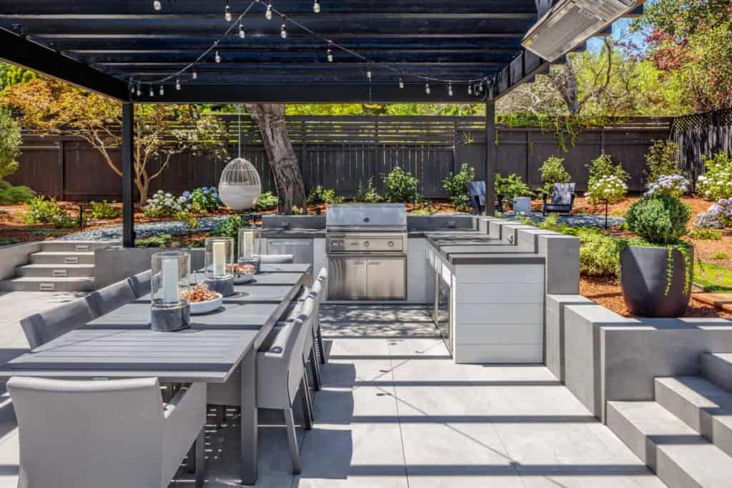 "What are the ""must-haves"" for an outdoor kitchen?"