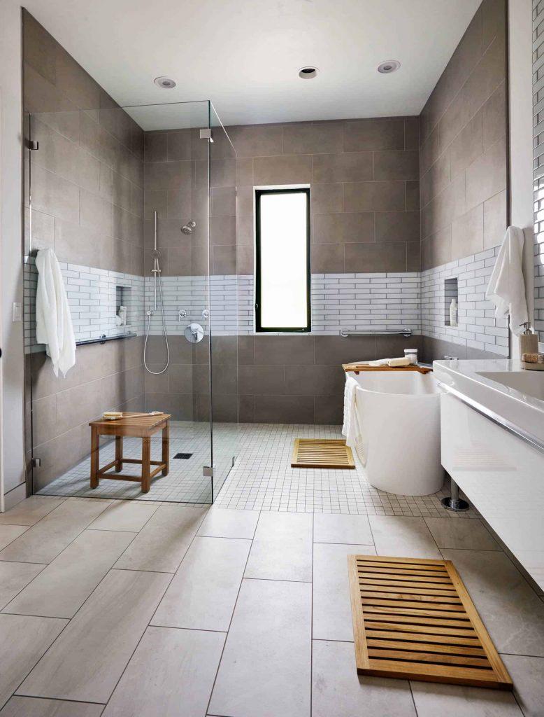 Asian bathroom photo in New York