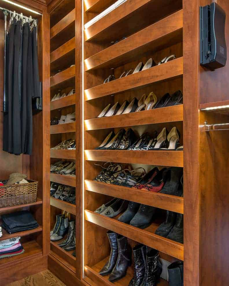 Built-in Shoe Library