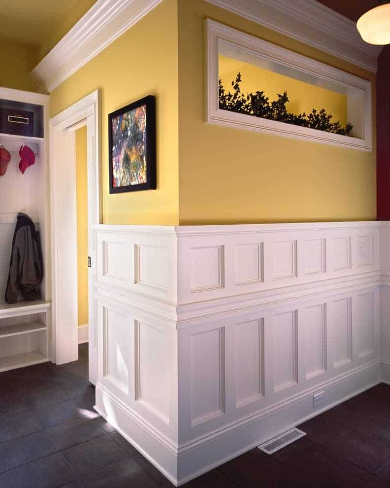 crown molding wainscoting