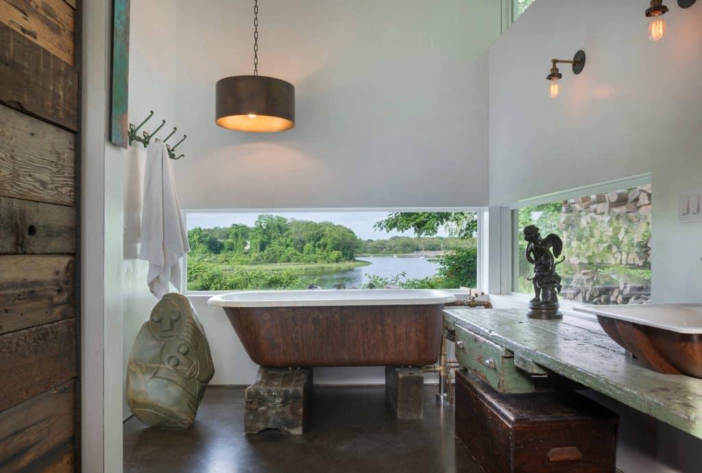 zen bathroom idea in Los Angeles with a vessel sink