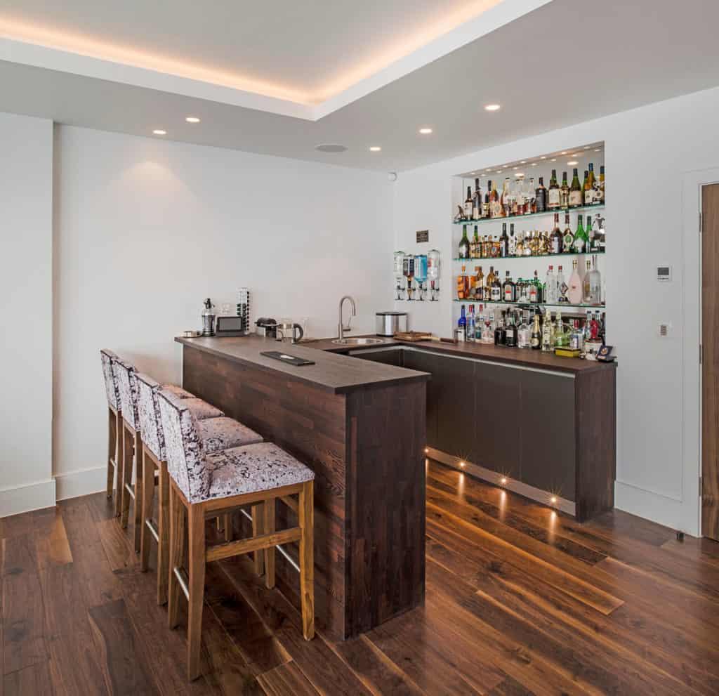 Minimal Wooden U-Bar Idea