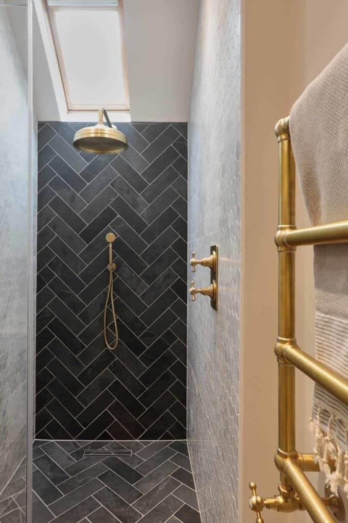Geometric Bronze doorless shower with bench