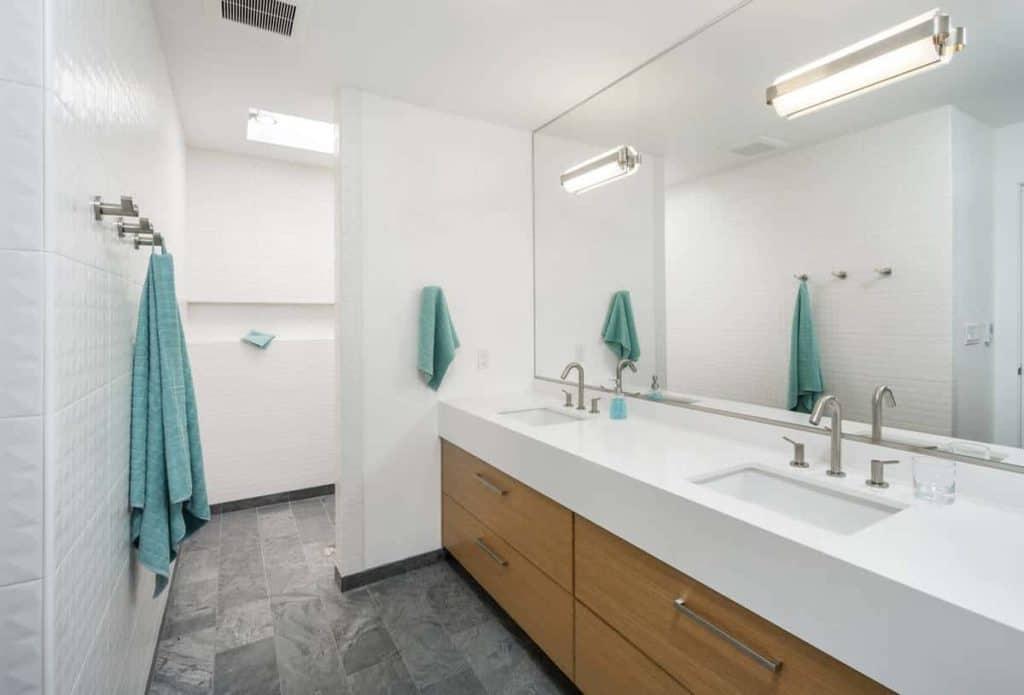 Open Floor Plan Walk-in Shower Without Doors