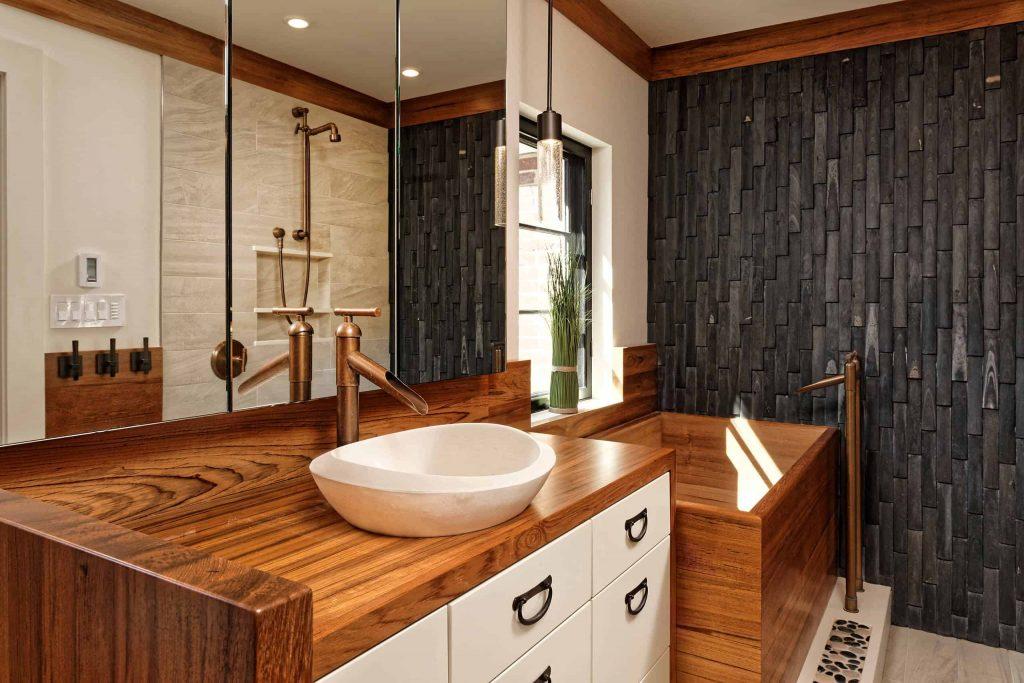 small zen master japanese bathtub idea in Miami