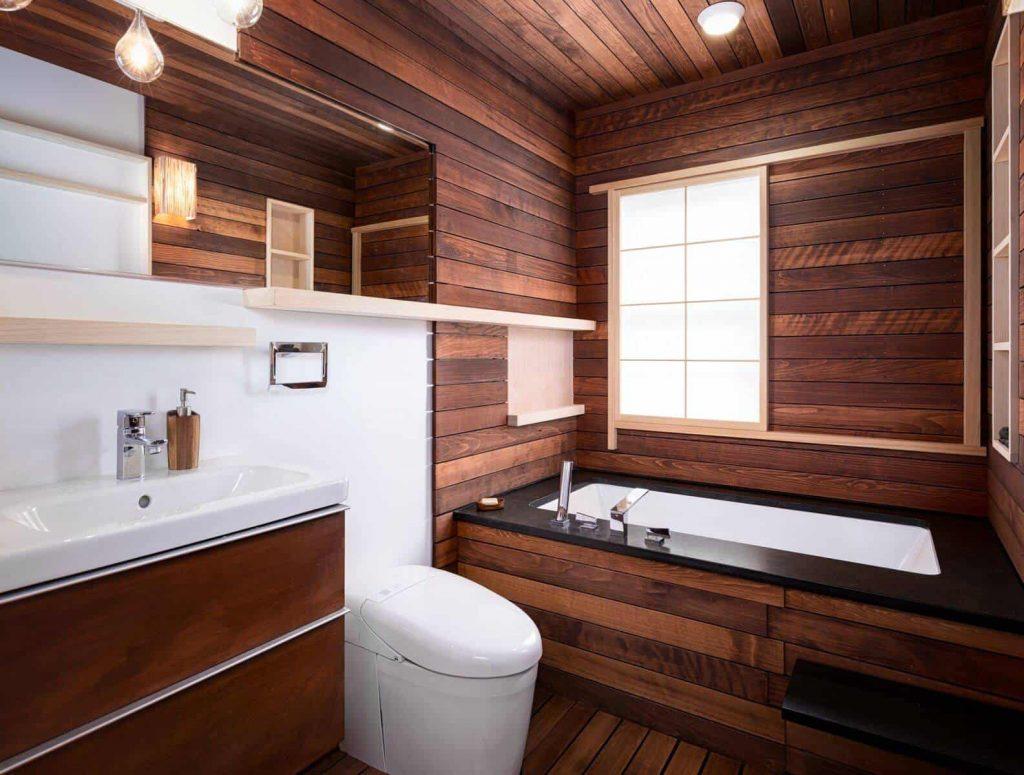 bathroom idea in Toronto with a vessel sink