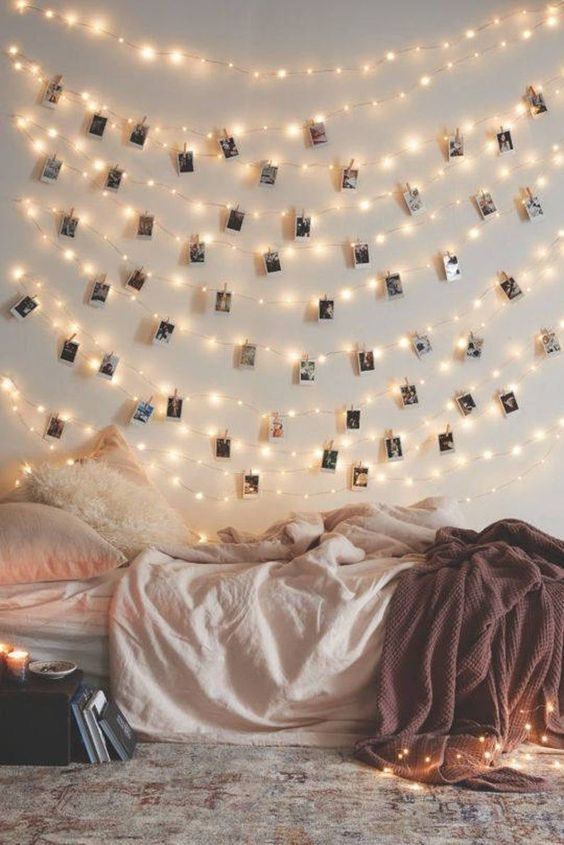 Bedroom with Clipped polorids 20+ Aesthetic Bedrooms
