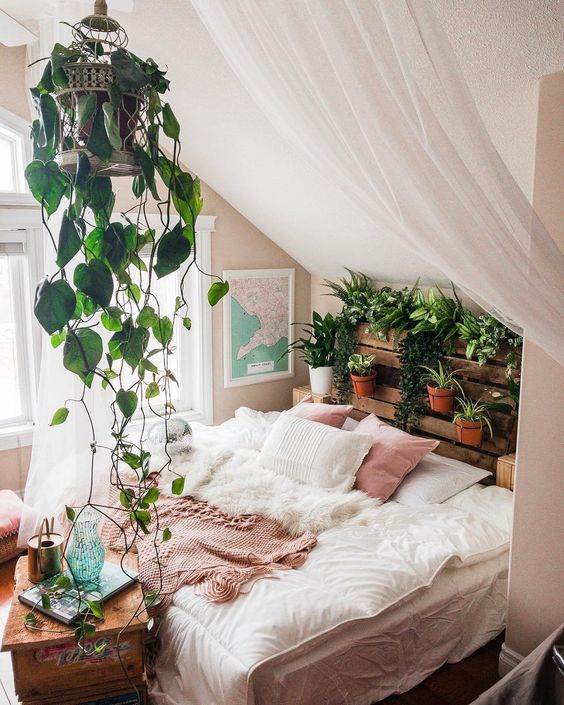 Plants will give your bedroom an effortless natural vibe 20+ Aesthetic Bedrooms