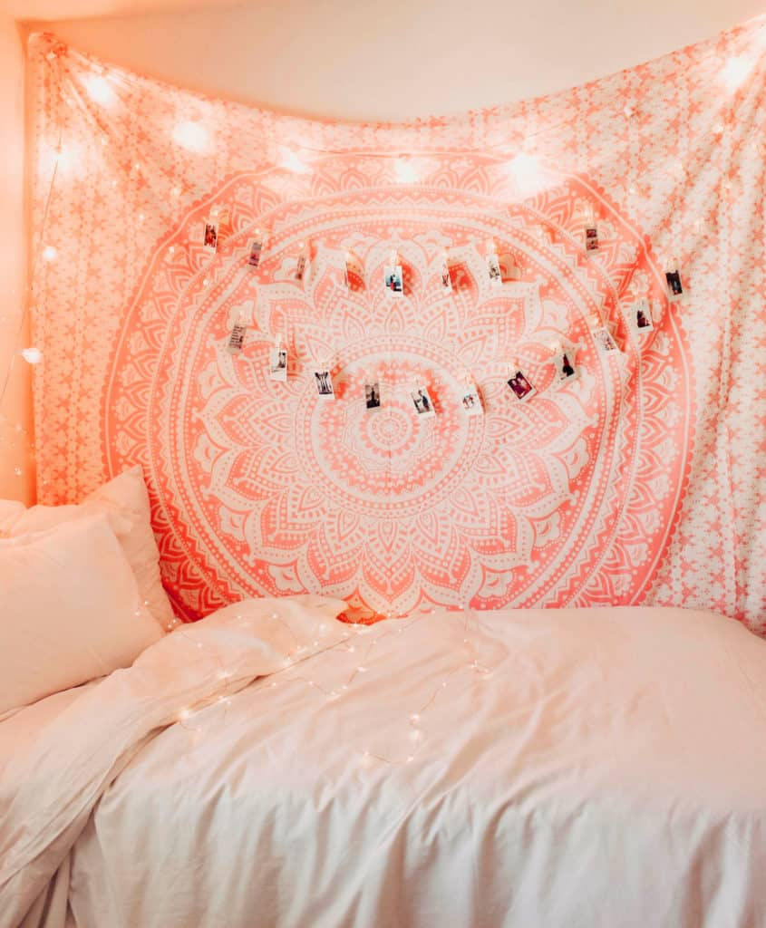Bedroom with Rose Gold Pink Ombre Tapestry Hanging 20+ Aesthetic Bedrooms