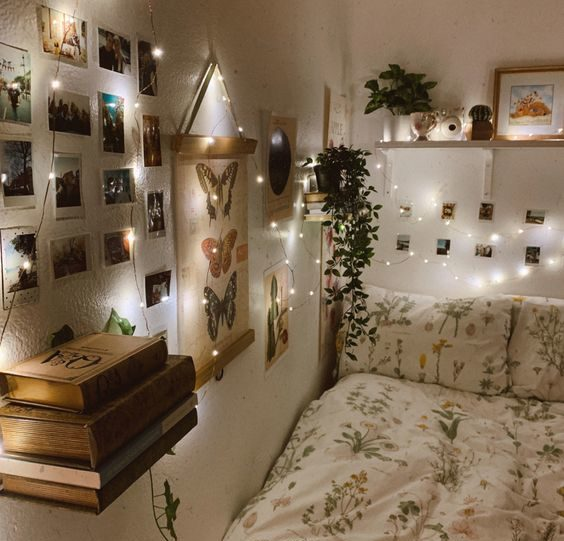 Show off your world with Polaroids 20+ Aesthetic Bedrooms