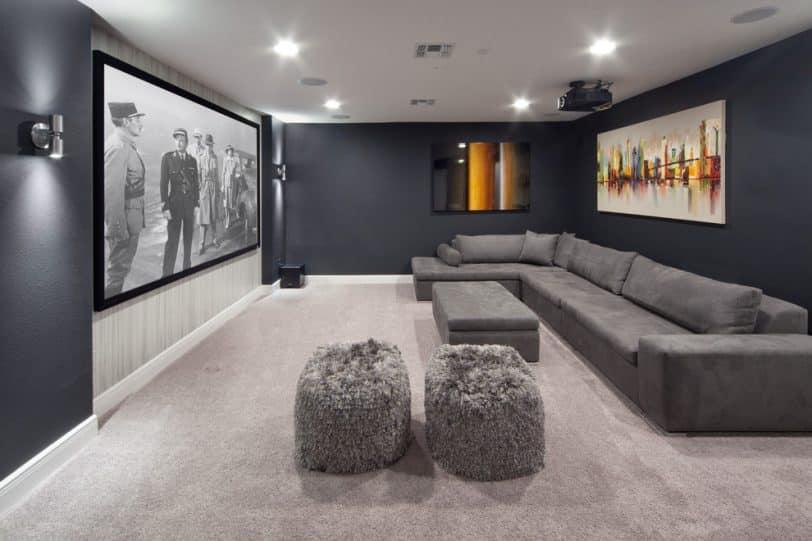 carpet with dark grey Walls