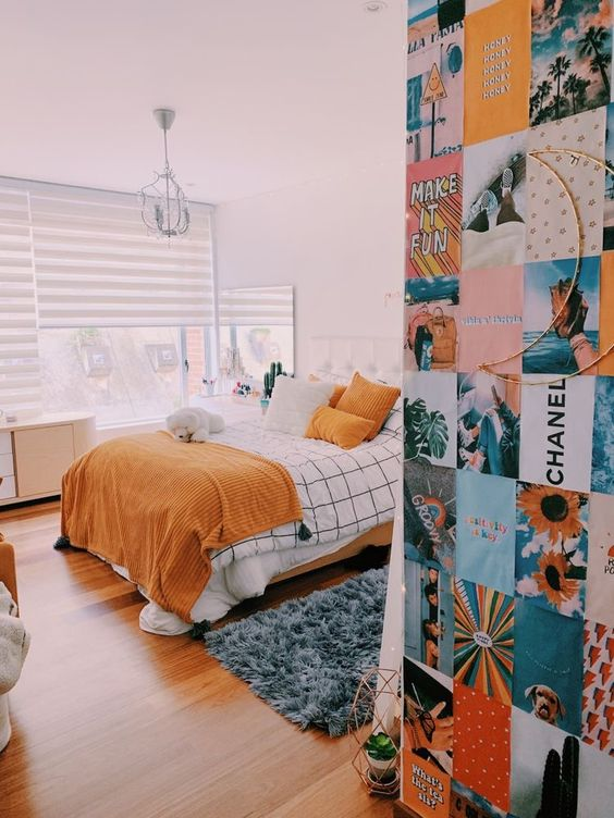 Bedroom with grid bedding 20+ Aesthetic Bedrooms