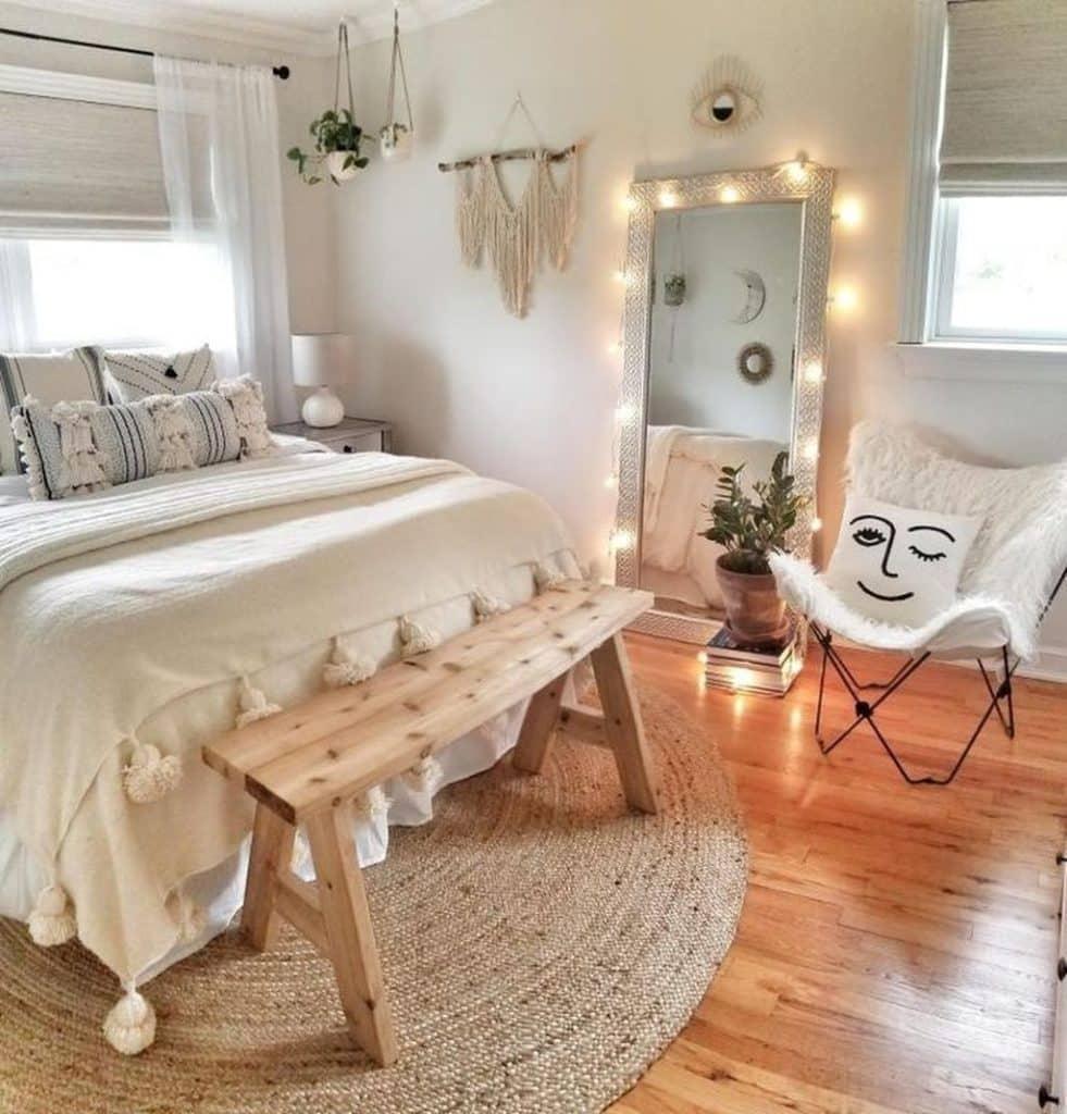 32 Aesthetic Bedroom Ideas   Best Aesthetic Bedroom Decor Photos