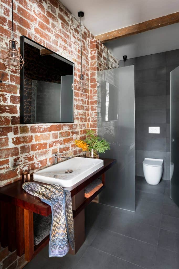 industrial bathroom idea