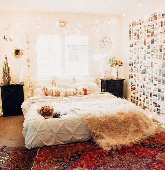 Bedroom with low bed 20+ Aesthetic Bedrooms