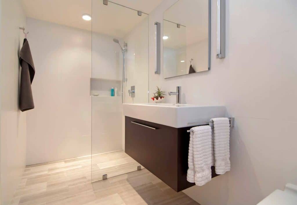 Which Small Bathroom Tile Size Will Make a Bathroom Feel Bigger?